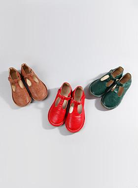 "Round punching flat shoes <br> <font color=""#a84c59"">* Delayed arrival * <br> September 21st Estimate storage <br></font>"