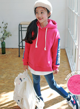 """Nice hood brushed man-to-man <br> <font color=""""#9f9f9f"""">˙ Neat Charm Pink Cherry! ˙ <br> Lovely winter look is completed!</font>"""